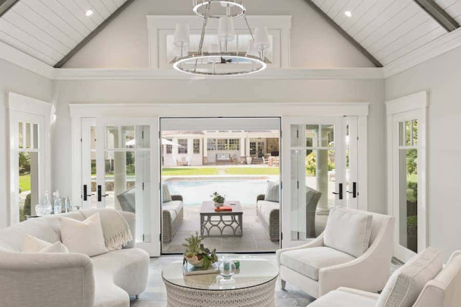 Crisp, neutral fabrics complement a light and airy aesthetic in this Long Island Home.