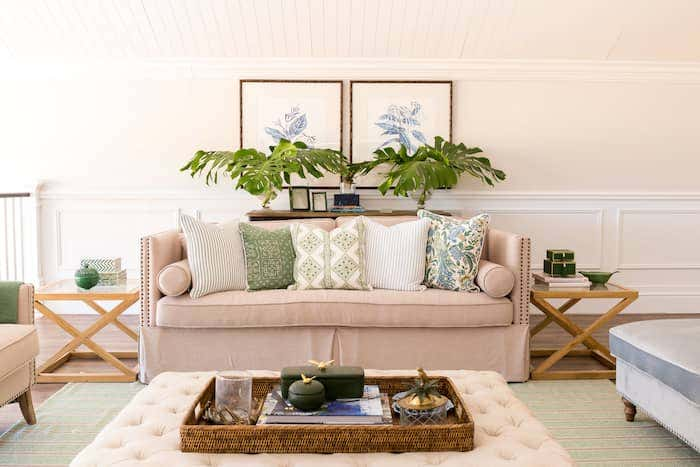 Caramel tones and warm sage greens create a warm, tropical style.